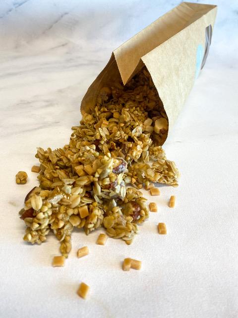 De echte guilty pleasure granola om van te snoepen. Deze overheerlijke granola verdient in het weekend een plek op de ontbijttafel.… View Details